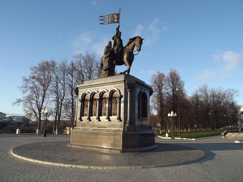 Памятники город владимир на памятники города волгограда кому посвящены